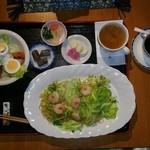 寿屋本家 - エビとキャベツの塩焼きそば定食