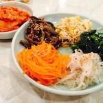 焼肉 幸福 - 白菜キムチ・ナムル