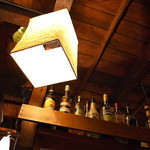 食堂酒場トゥクトゥク - 雑然さも雰囲気