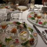 46368476 - 前菜は色々な盛り合わせ。。すごく綺麗で又も喜ぶパパ。パパかよっ!^^