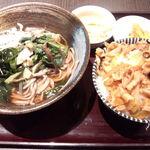 46369462 - 山形山菜そば(温)、ミニ豚丼付き800円