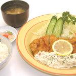 オレンヂ - 大人気!チキン南ばん定食 720円。具だくさんタルタルソースがうまい!