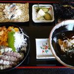 前浜 - ウニシャコ丼