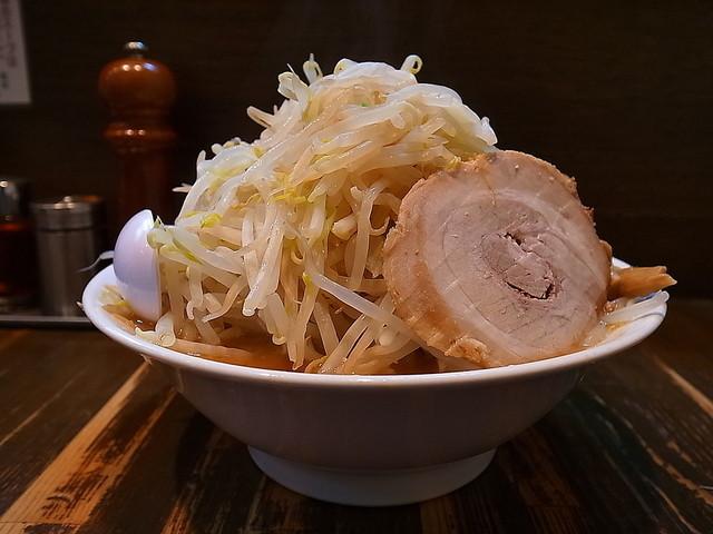 荒海 - ラーメン(太麺大盛、野菜中盛り)