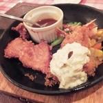 レストラン とまと - お肉とエビフライ