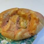 手作りパン工房 フレ - 明太ポテトパン172円。