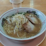 たえラーメン - 料理写真:甘さの感じられるスープ