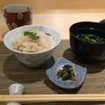新割烹 丹色 - ご飯、鯛飯と道明寺麩と三つ葉の赤出汁、香の物