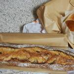 46382498 - フランスパンとモチモチパン