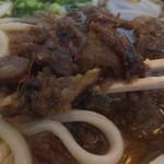 46384022 - スジ肉は、甘辛で柔らか~な感じ。