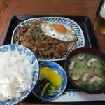 もりとう食堂 - 平戸牛焼肉定食 1000円(2016.1)