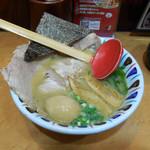七志 - ...「チャーシュー麺《味玉付き》(1080円)」、極薄切り・チャーシュー。。
