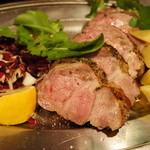 イタリア酒場 ヴィノ カサノバ - 【飲み放題付きプランあります】大満足の旨さ&ボリュームで大好評です!シルバーコースのメイン料理は厚切りローストポーク!