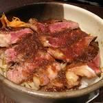 韓々 - サーロインステーキ丼