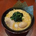 壱角家 - 味玉ラーメン(830並円)