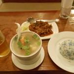 PRECIOUS OLD CHINA - 料理写真:トムヤン シーフードスープ、ビーフレンダン、ココナッツライス、タイガービール生