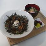 マルヘリキッチン - 今治焼豚玉子丼+ハーフうどん