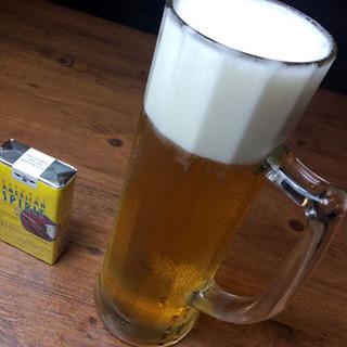 600mlのメガジョッキでビールを!値段はなんと500円!