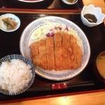 豚豚亭 - ロースカツ定食
