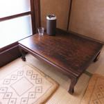 クボカリー - 福岡市南区の西鉄・高宮駅に近い大楠エリアにある昔ながらのアパートの1階にあります。