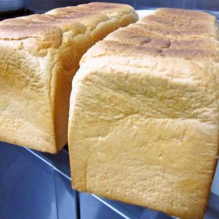 こだわりの自家製パン粉
