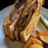 ゴーディーズ オールド ハウス - 料理写真:クラッシックオールドハウスサンドイッチ