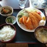 みのり食堂 - 2016年1月13日 11:40 ミックスフライ定食
