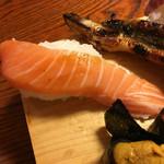 46427508 - 名物ジャンボ寿司の隠れていたサーモン(アップ)