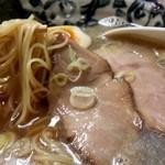 洛二神 - イワシ醤油そば+ちょいプラス