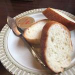洋食 ピッコローサ - ピッコロセットのパン