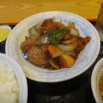 平和軒 - 酢豚定食