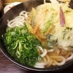 うどん秀 - 野菜天うどん450円