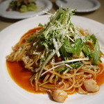 ブレアハウス - 小柱と水菜のトマトソースパスタ
