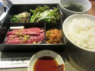 長春館 - 焼き肉弁当の肉大盛