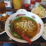 盛華 - 料理写真:角煮定食(980円)