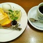 星乃珈琲店 草加店 - フレンチモーニング&ホットコーヒー