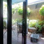 シャビー&チック - グリーンに囲まれたオープンテラス