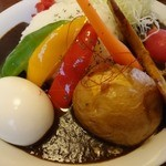 ニセコ・アワグラス - 秋だけの、「収穫菜カレー」※数量限定! 半熟ゆで玉子をトッピングしてみました~♪