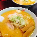 梅光軒 - 味噌ラーメン 800円