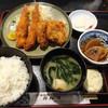カルマ - 料理写真:海老フライ、ヒレカツ定食960円