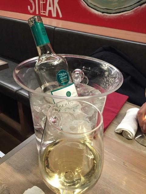 ニクバルダカラ 仙台一番町店 - ワインも安くて美味しく物が多いです。