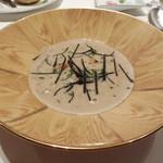 モナリザ - 2016年1月 トリュフ風味のフランと菊芋とごぼうのポタージュ