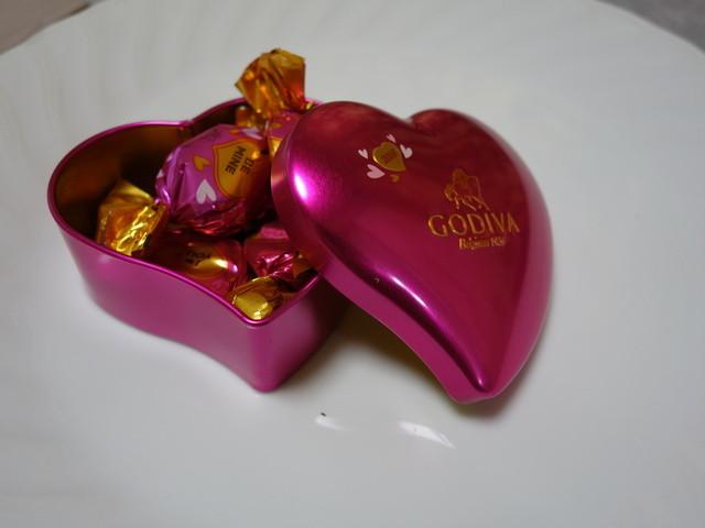 GODIVA Chocolatier 阪急梅田本店 - 2016年1月 ラッピングチョコレートハート缶