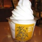 CHA-CHA HOUSE COFFEE - 2016年の北海道バニラソフトクリーム330円