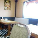 インド料理 ビシュヌ - テーブル席