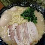 横浜家系ラーメン 本町商店 - MAXラーメン大1000円
