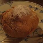 佐伯カフェドランブル - 自家製のシュークリーム 250円(2015.12)