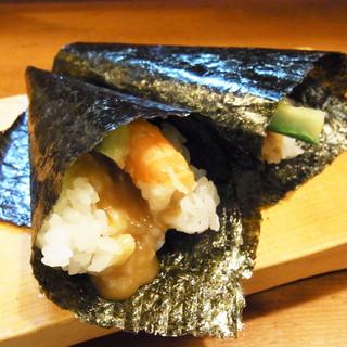 しんべエビ手巻き寿司…500円
