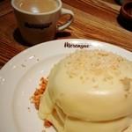メレンゲ - マカダミアナッツソースパンケーキ
