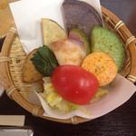 鎌倉野菜カレー かん太くん - 焼きや揚げや茹でや漬けなど抜き鎌倉野菜たち